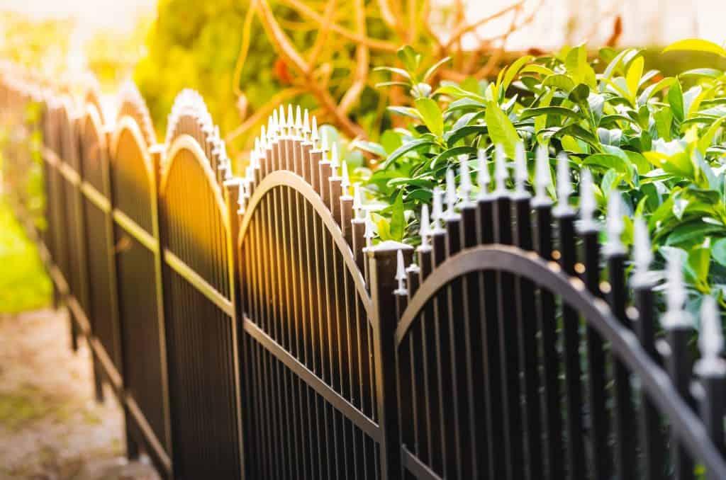 Comment bien choisir sa clôture et sa hauteur ?